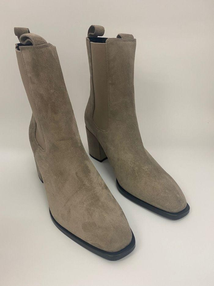 Kennel & Schmenger Shoes Kennel & Schmenger Suede ankle Erin Boots in Pebble 41-62210-359 izzi-of-baslow
