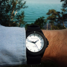 Load image into Gallery viewer, Bow & Stern ABYSS Automatic Dive Watch - Matte Black Case (Black NATO)