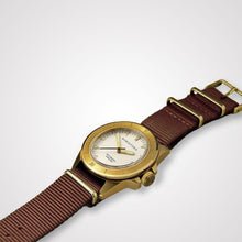Load image into Gallery viewer, Bow & Stern ABYSS Automatic Dive Watch - Brushed Gold Case (Camel Tan NATO)