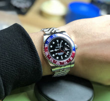 Load image into Gallery viewer, Blackout Concept GMT Driver H7-11 Automatic