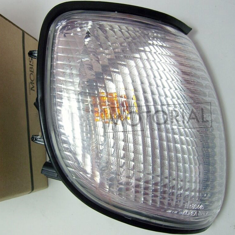 2000-2003 HYUNDAI GALLOPER INNOVATION Genuine OEM HR804351 Front Right Combination Lamp