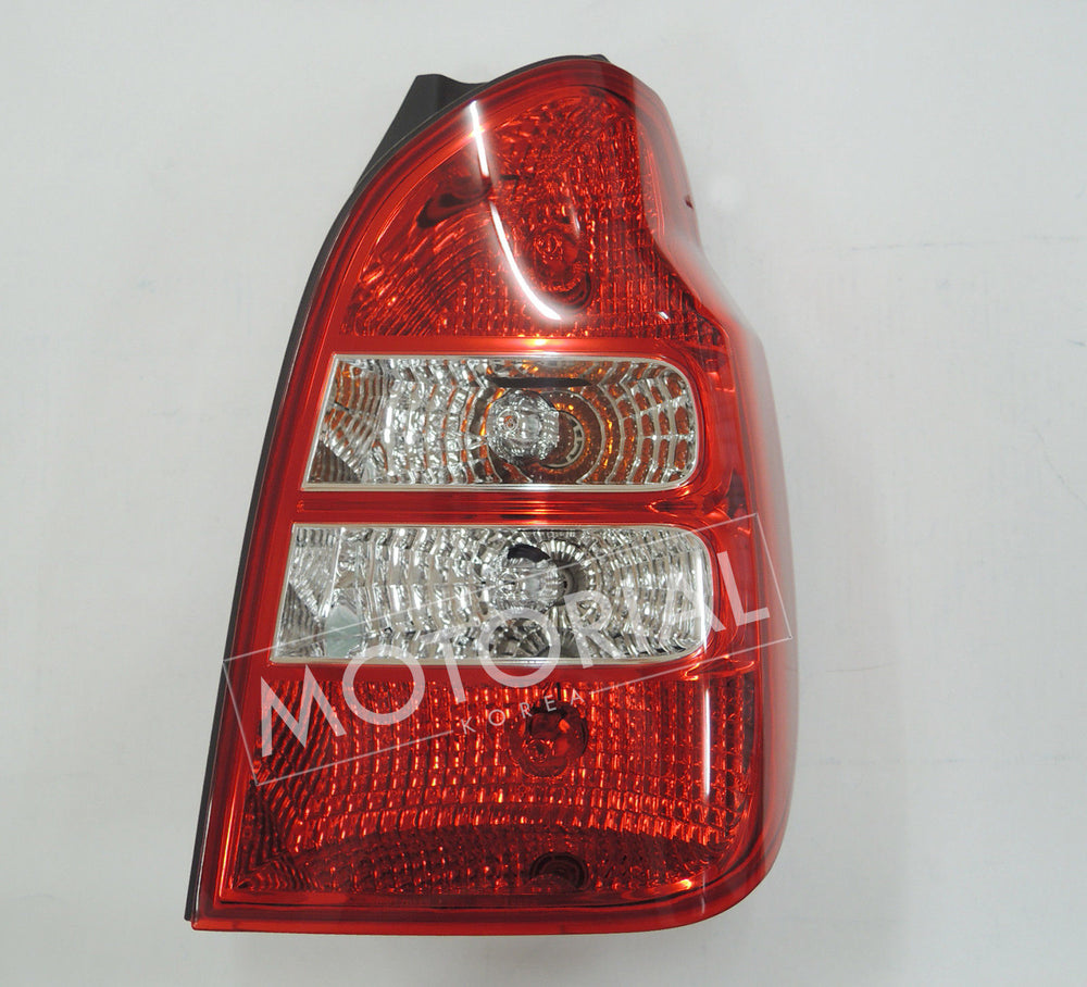 2005-2007 HYUNDAI TERRACAN Genuine OEM Rear Right Tail Light brake Lamp