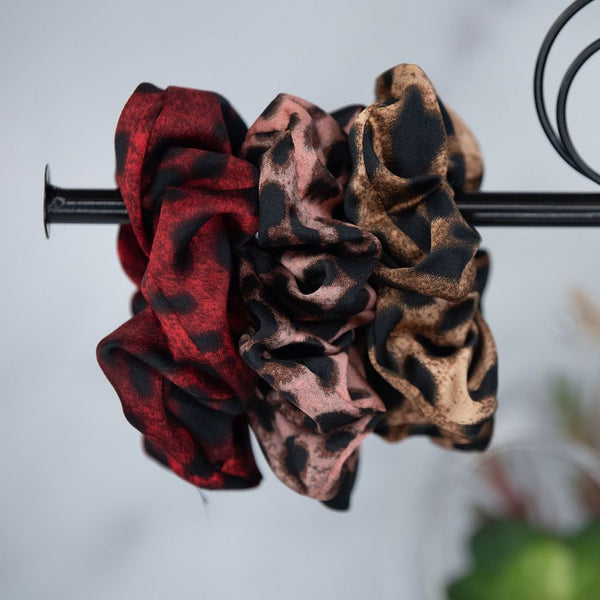 Hair Scrunch Set In Luxe Leopard (Red/Blush/Beige)