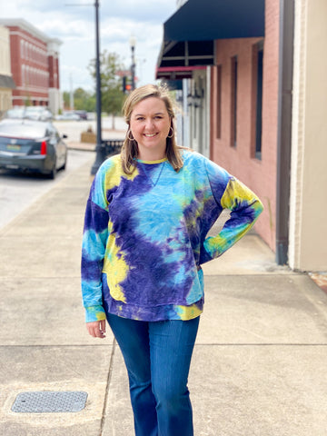 Shades of Blue Tie Dye Pullover