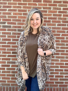 Slithering Around Kimono - Crowned Boutique