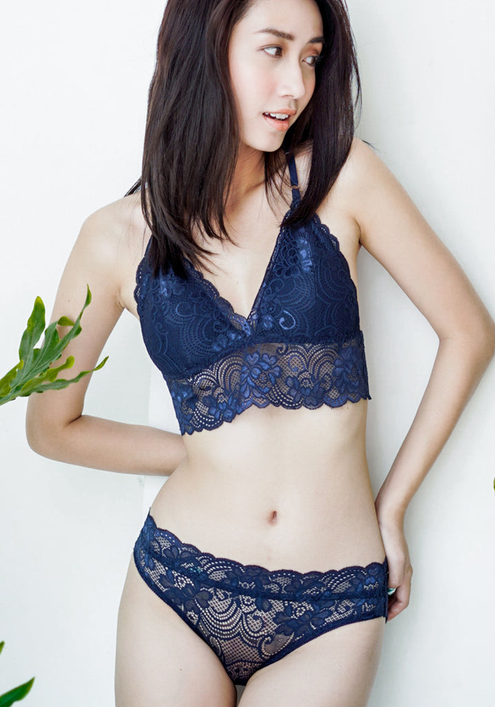 Victoria in Navy - Reverie | reveriestudio.co