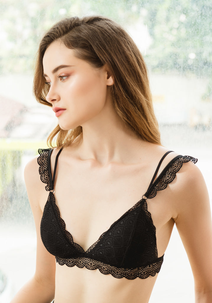 Cass in Lace Bralette Black - Reverie | reveriestudio.co