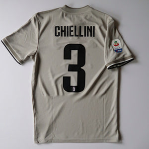 2018-19 Juventus Away Shirt - Giorgio Chiellini (Small)