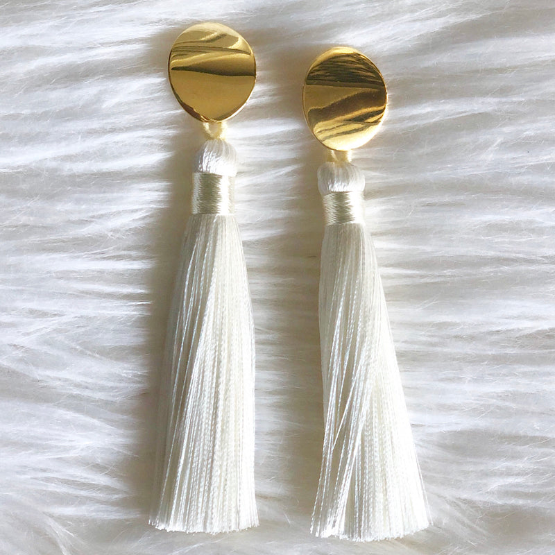White Tassel Oval
