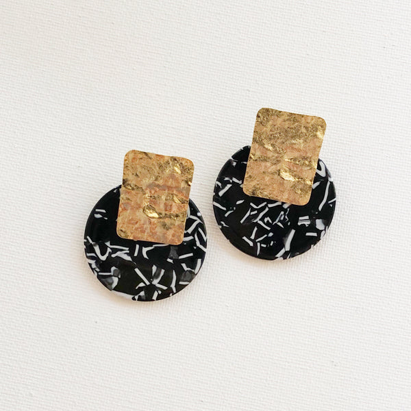 Black and White Resin with Hammered Gold Post