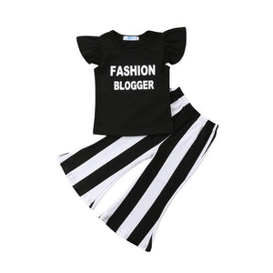 """Fashion Blogger"" Striped Outfit"