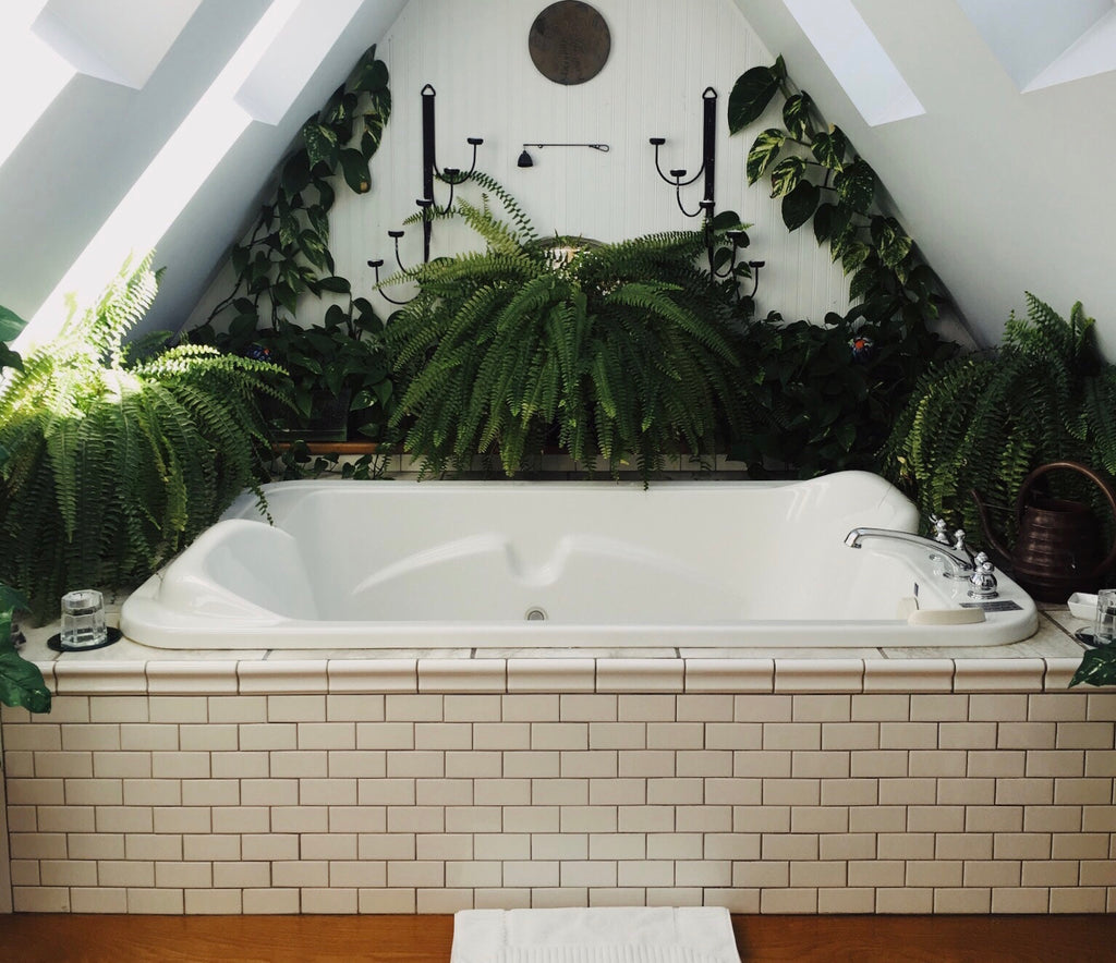5 SUSTAINABLE BATHROOM PRODUCTS TO INVEST IN