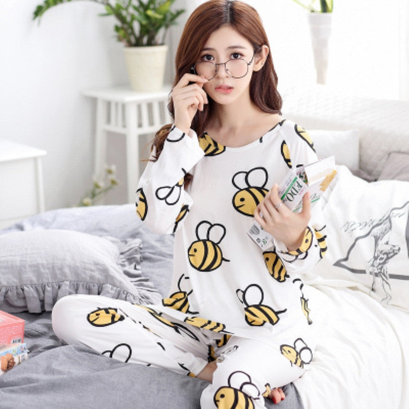 """Lady Bee Print"" Pajama Set"