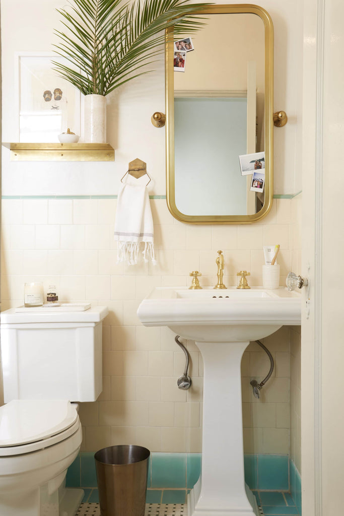 Photo by Tessa Neustadt for EHD | From: Brady Gives A Refresh To His Vintage Bathroom