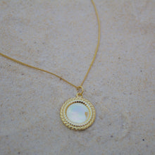 Load image into Gallery viewer, Golden Sun Necklace