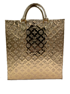 Louis Vuitton Gold Mirror Monogram Sac Plat