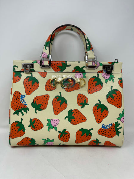 Gucci 2019 Zumi Strawberry Medium Top Handle Tote