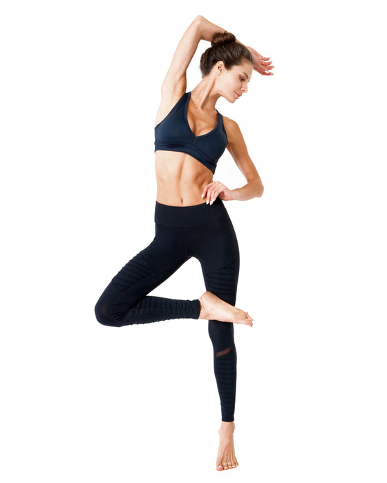Athletique Low-Waisted Ribbed Leggings With Hidden Pocket and Mesh