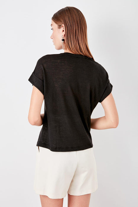 Trendyol Black Pocket Detail Knitted T Shirt TWOSS19TS0330