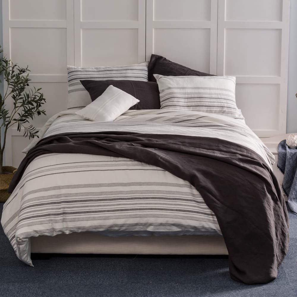 wholelinens-linen-cotton-duvet-cover-set-front-view