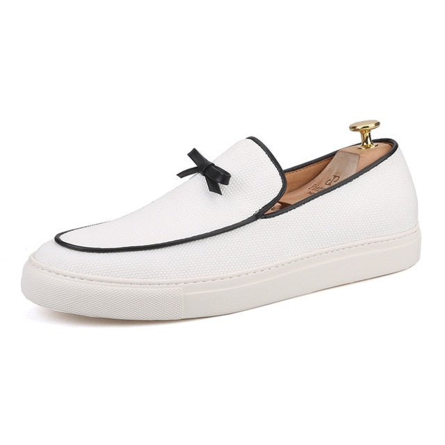 Handcrafted white canvas Slip-on Skate