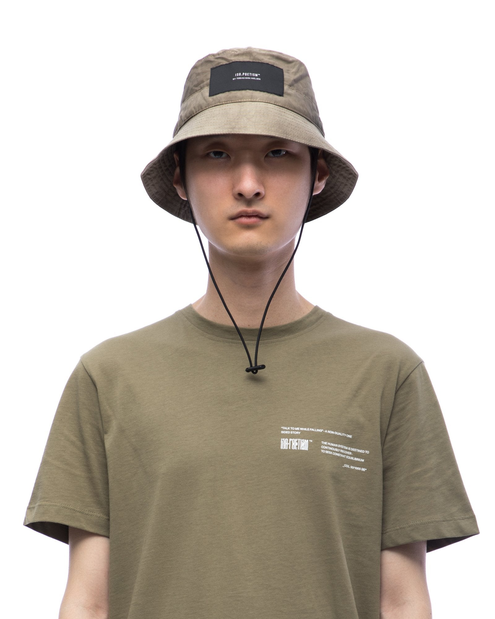 Bucket hat with elastic string - sand cracked
