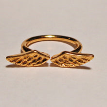Load image into Gallery viewer, Angel Wing Finger Ring