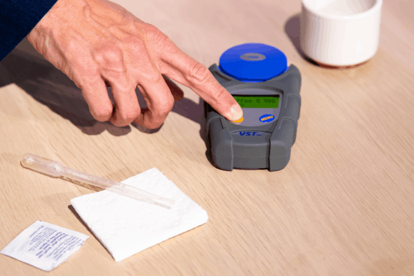 How to measure TDS on a refractometer