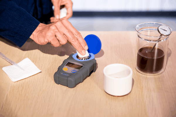 How to zero out a refractometer for finding TDS