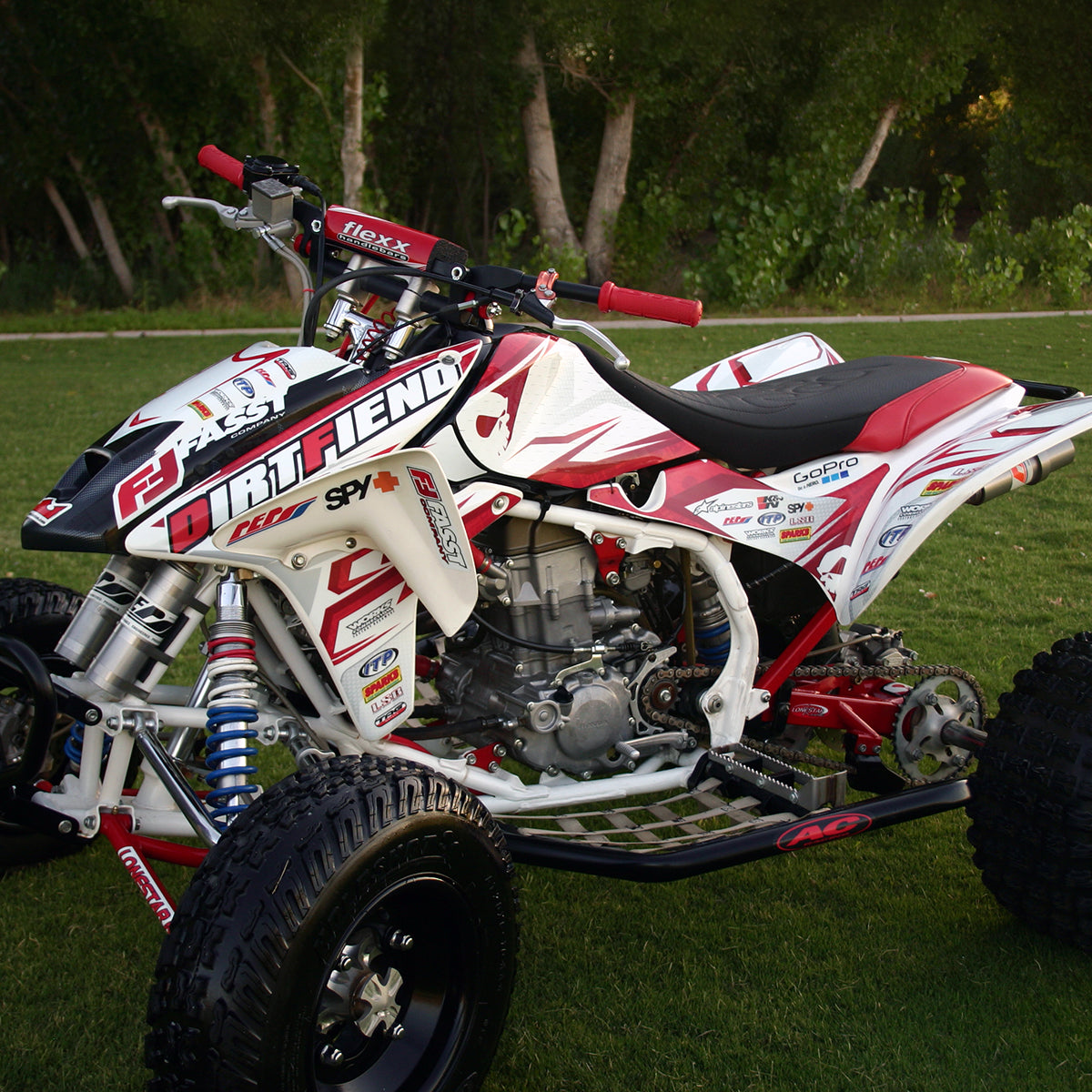 "TRX450R GRAPHICS ""TRACTION"""