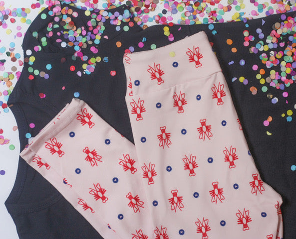 Crawfish Leggings: Pink Hearts