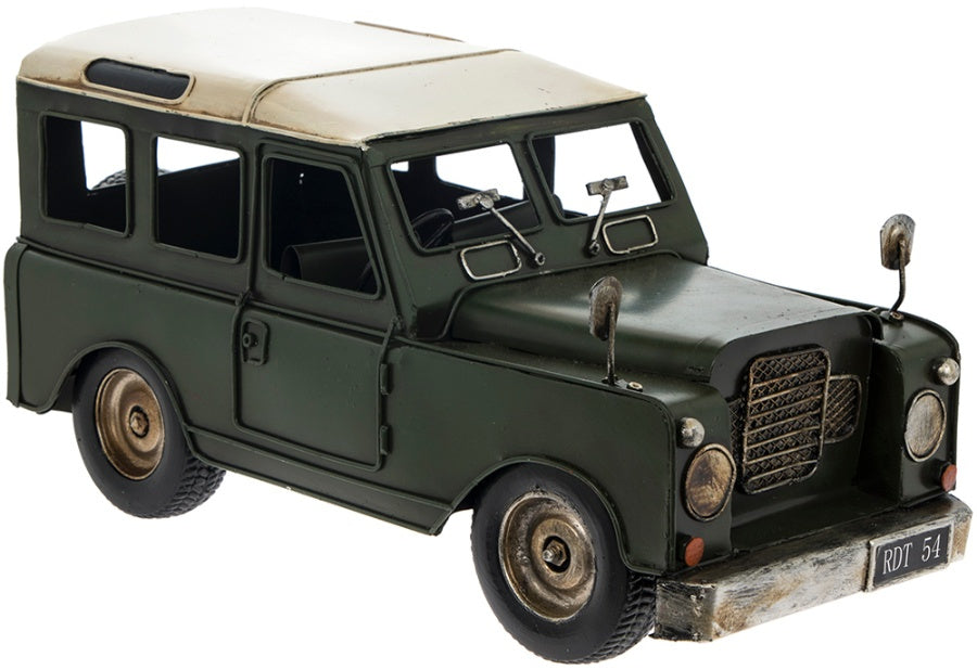 MODEL OF A VINTAGE 4X4 JEEP