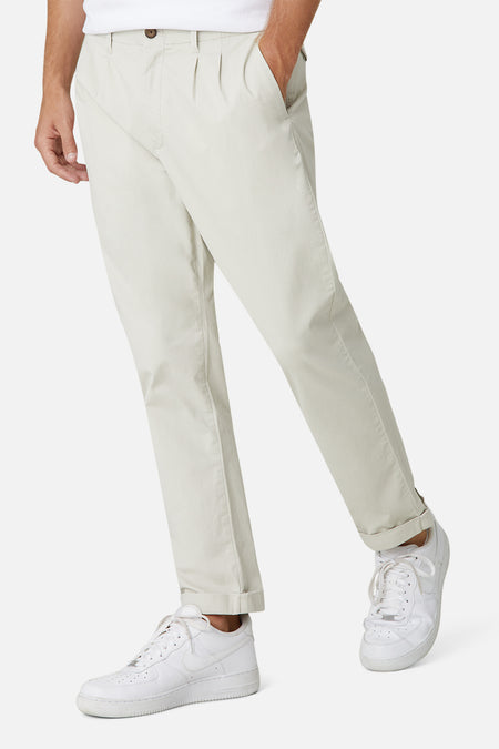 The Montauk Pleated Chino - Parchment