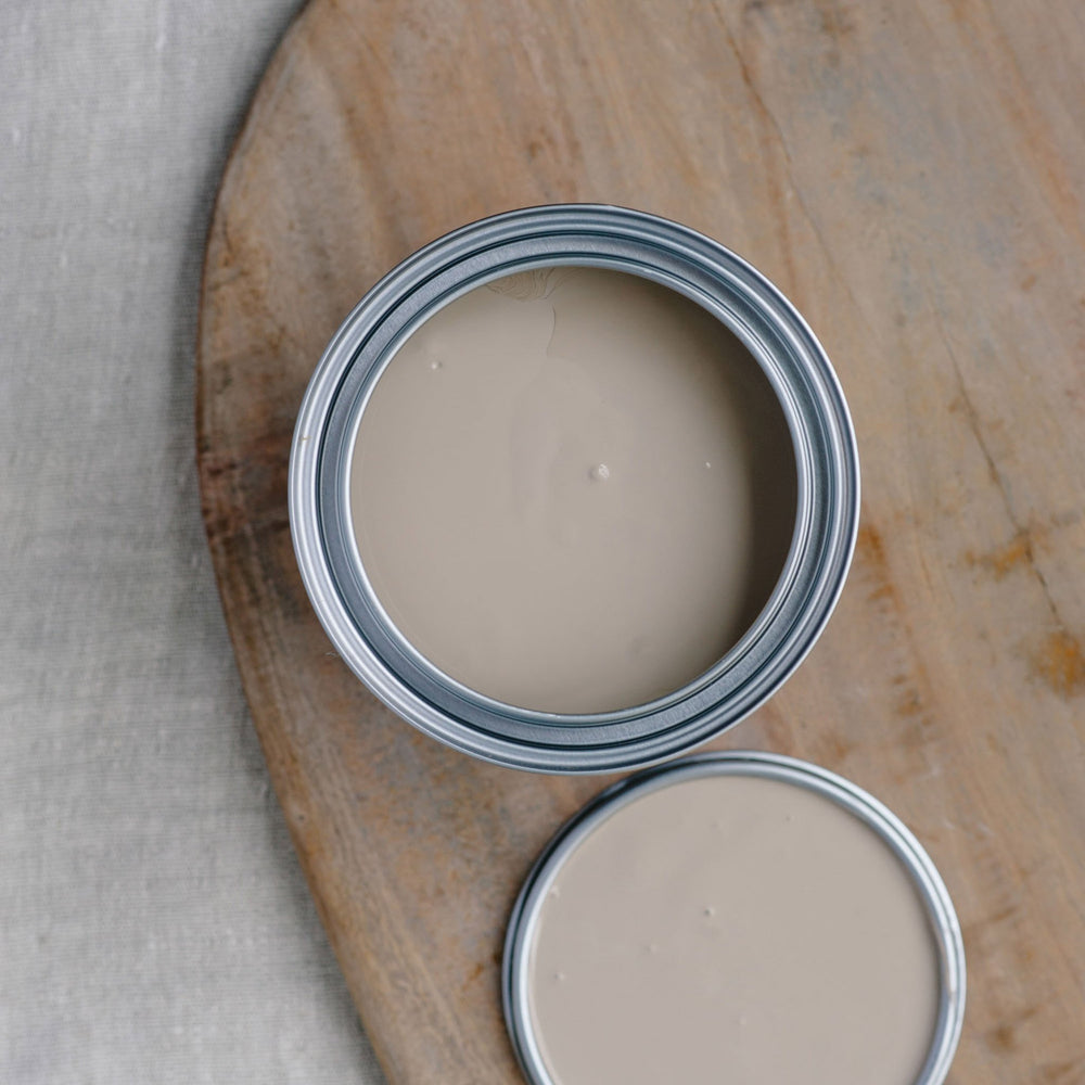 07. Greige chalk paint