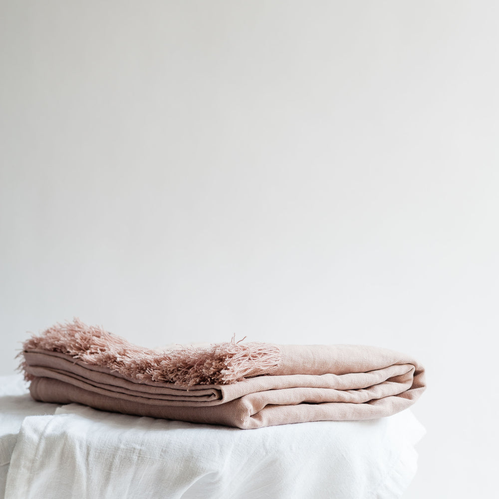 "Versatile handmade linen throw ""Antique Rose"""