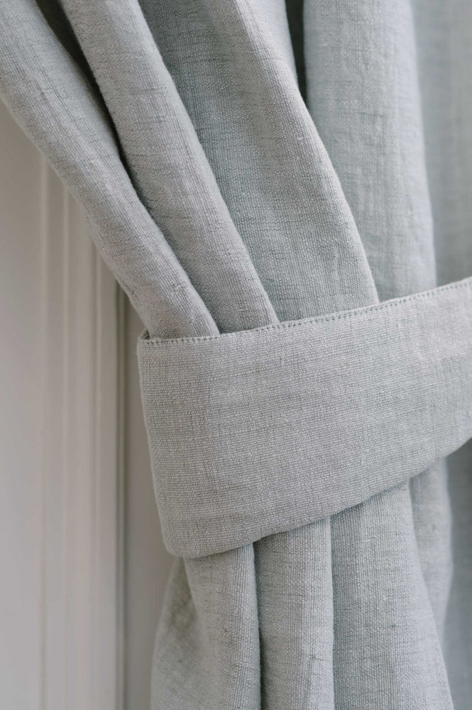 "Handmade linen Curtain with loops and curtain holdback ""Soothing 02"""
