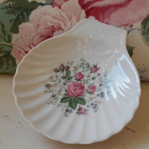 Limoges Porcelain Scallop Shell Shaped Pink Roses Dishes. Shabby Chic Caviar Dish. Ideal 'French Boudoir' Dressing Table Jewelry/ Soap Dish.