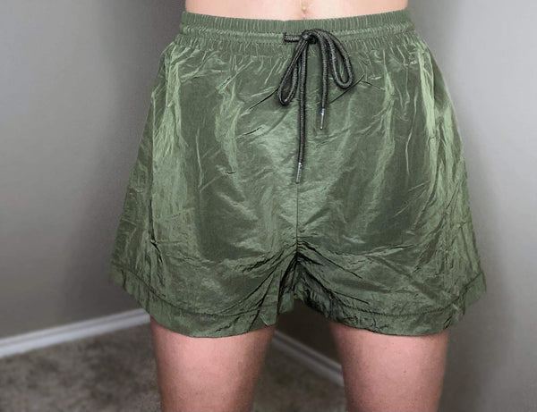 Bonnie Windbreaker Shorts- Olive