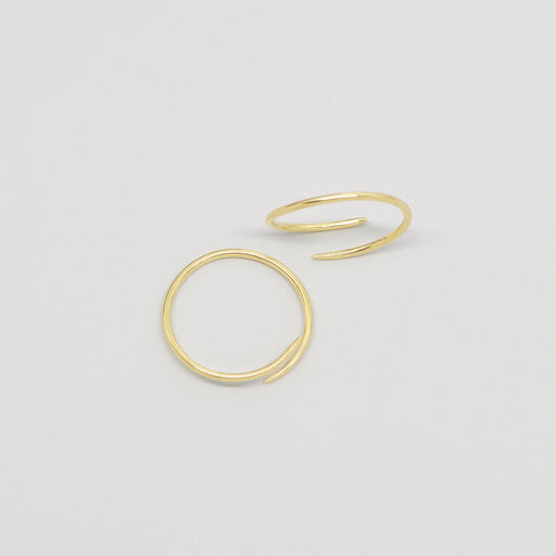 filigrane creole dainty hoop in gold