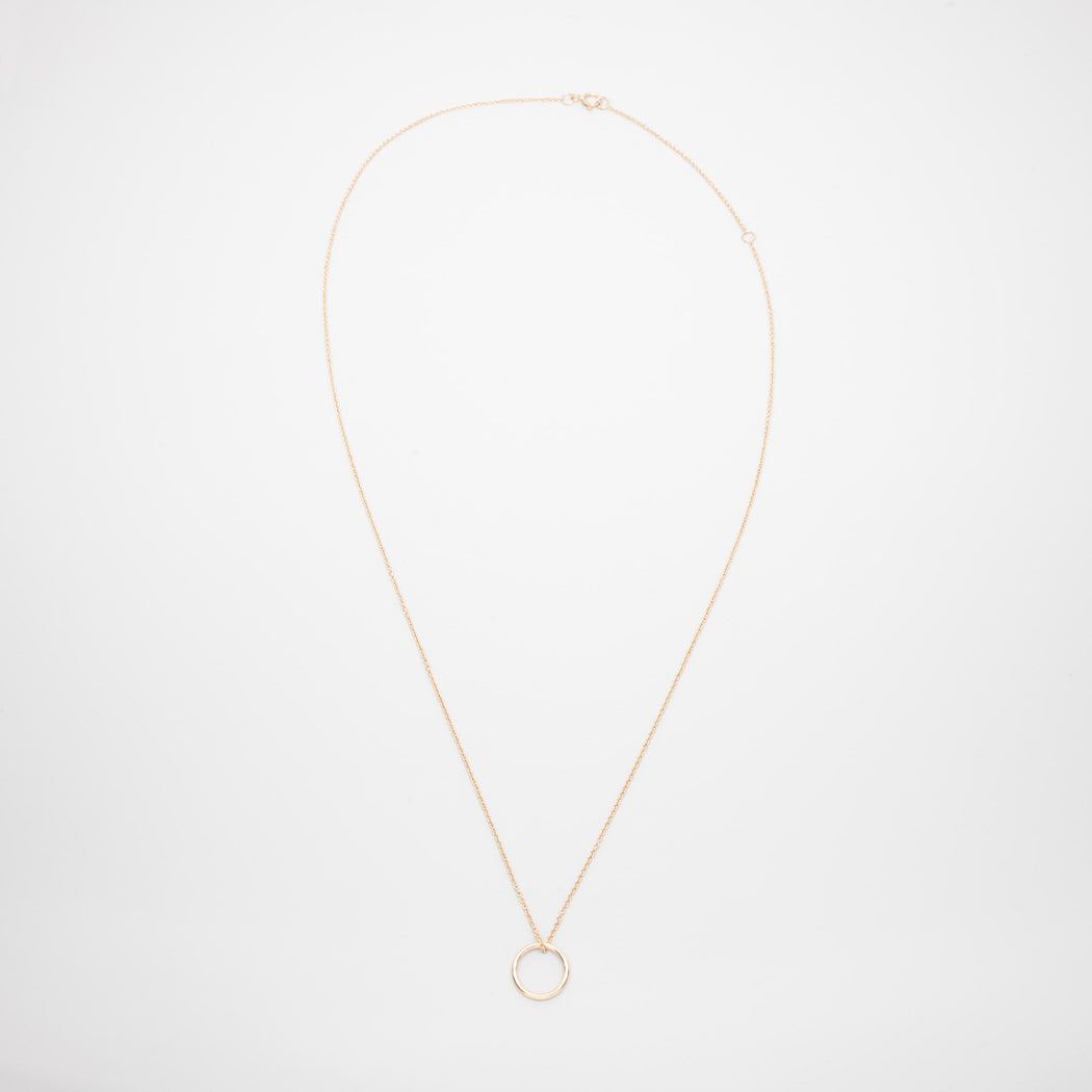 medium circle necklace | solid gold