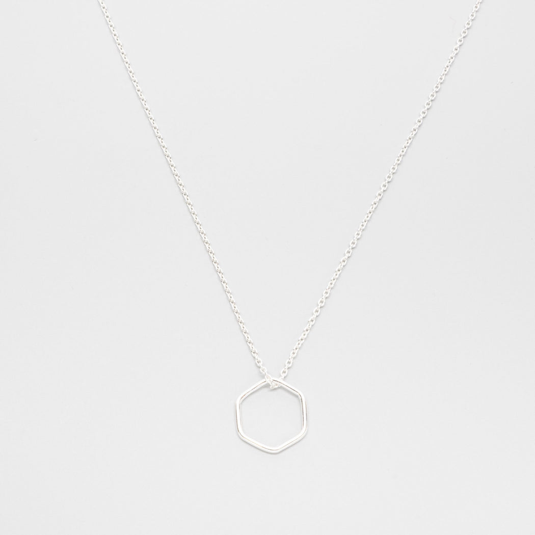 soft hexagon necklace - M / L