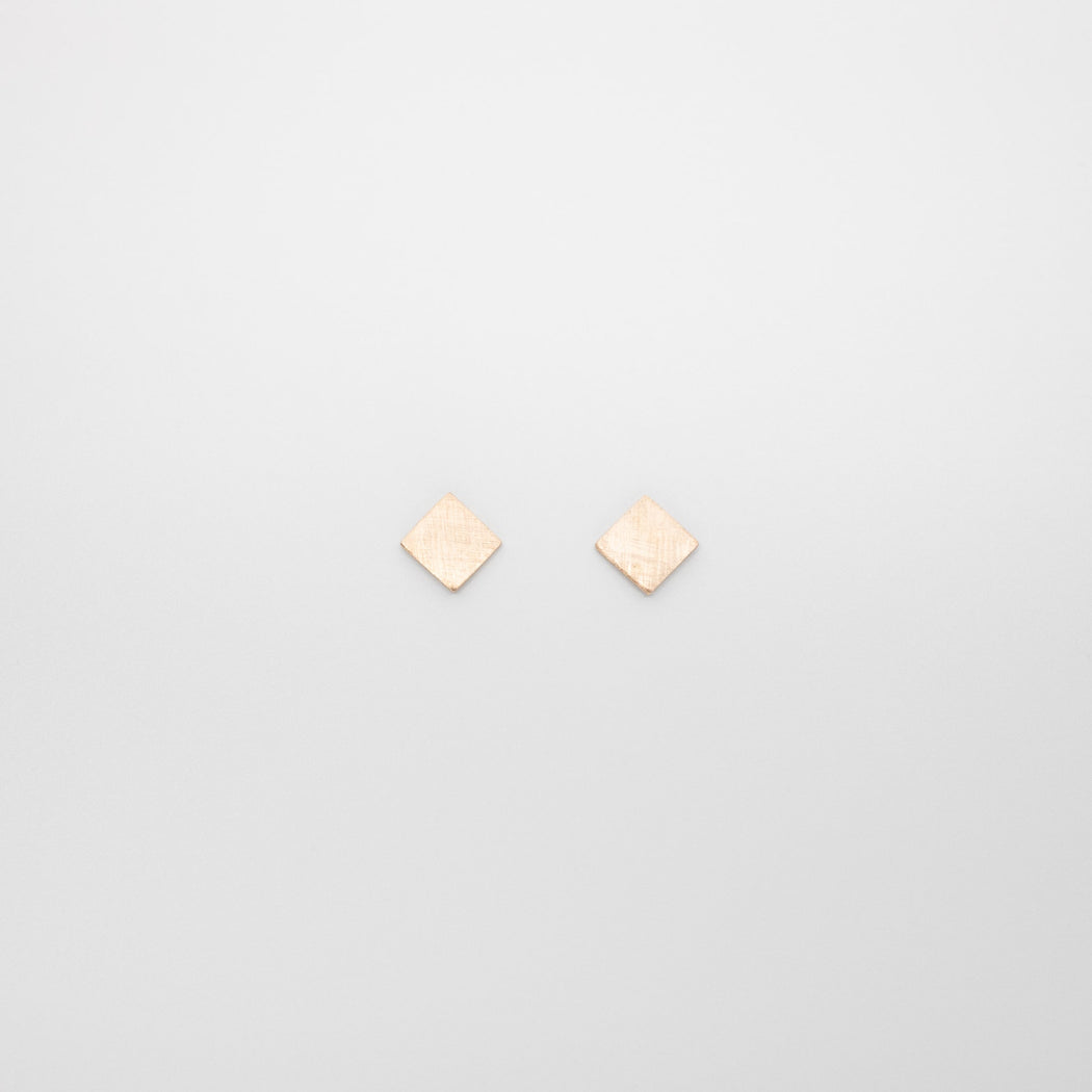 satin square studs | solid gold