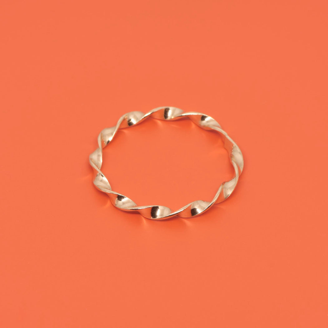 Gedrehter Ring twisted in roségold