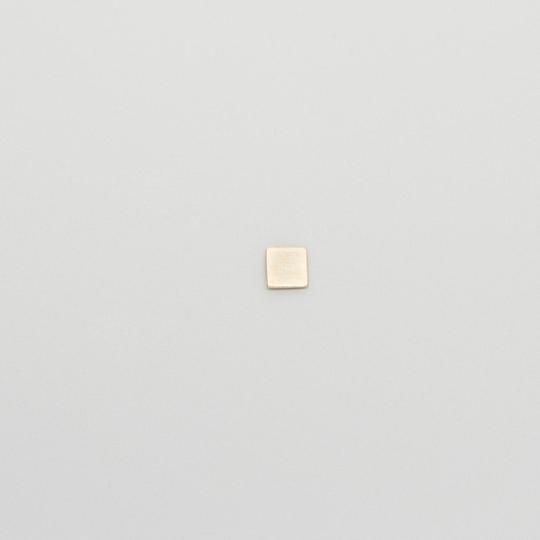 satin square stud | solid gold