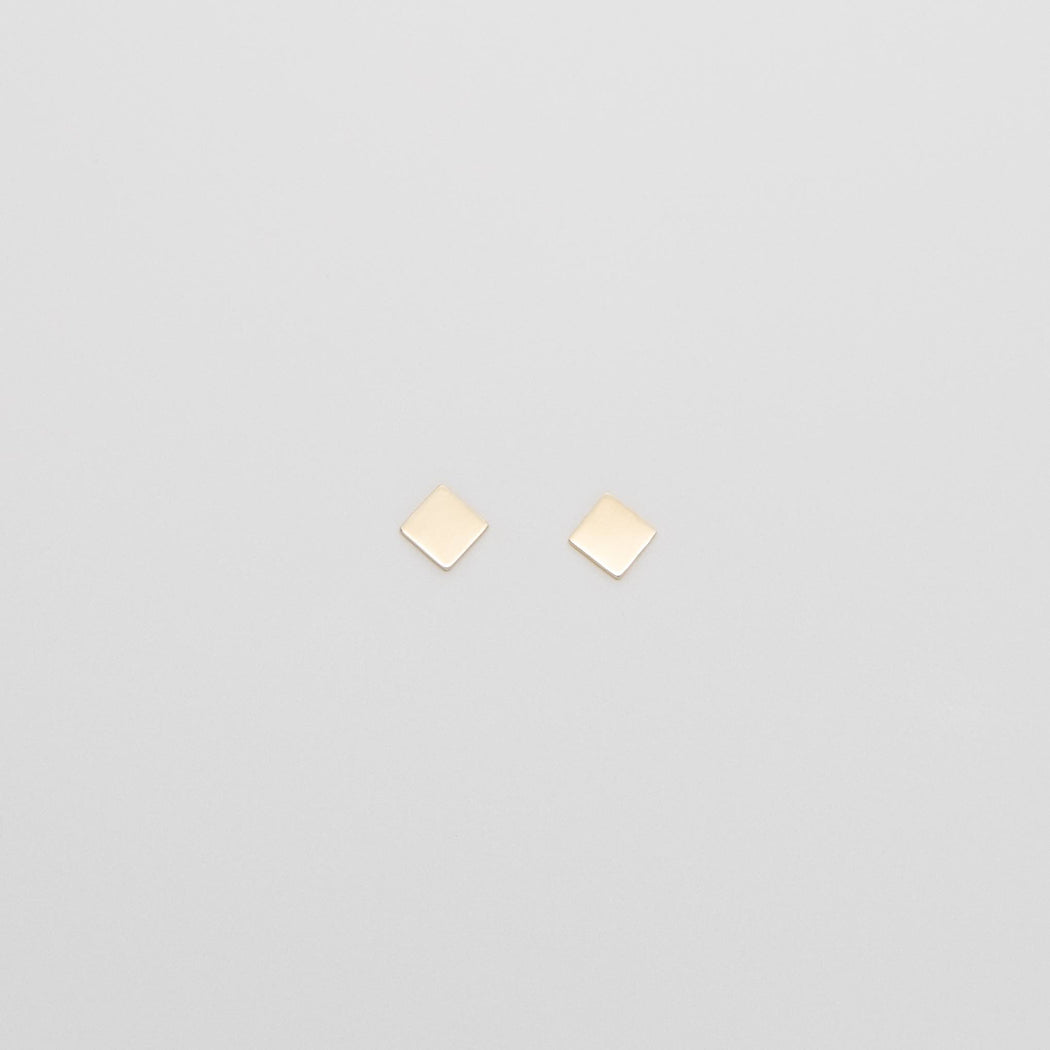 shiny square stud | solid gold