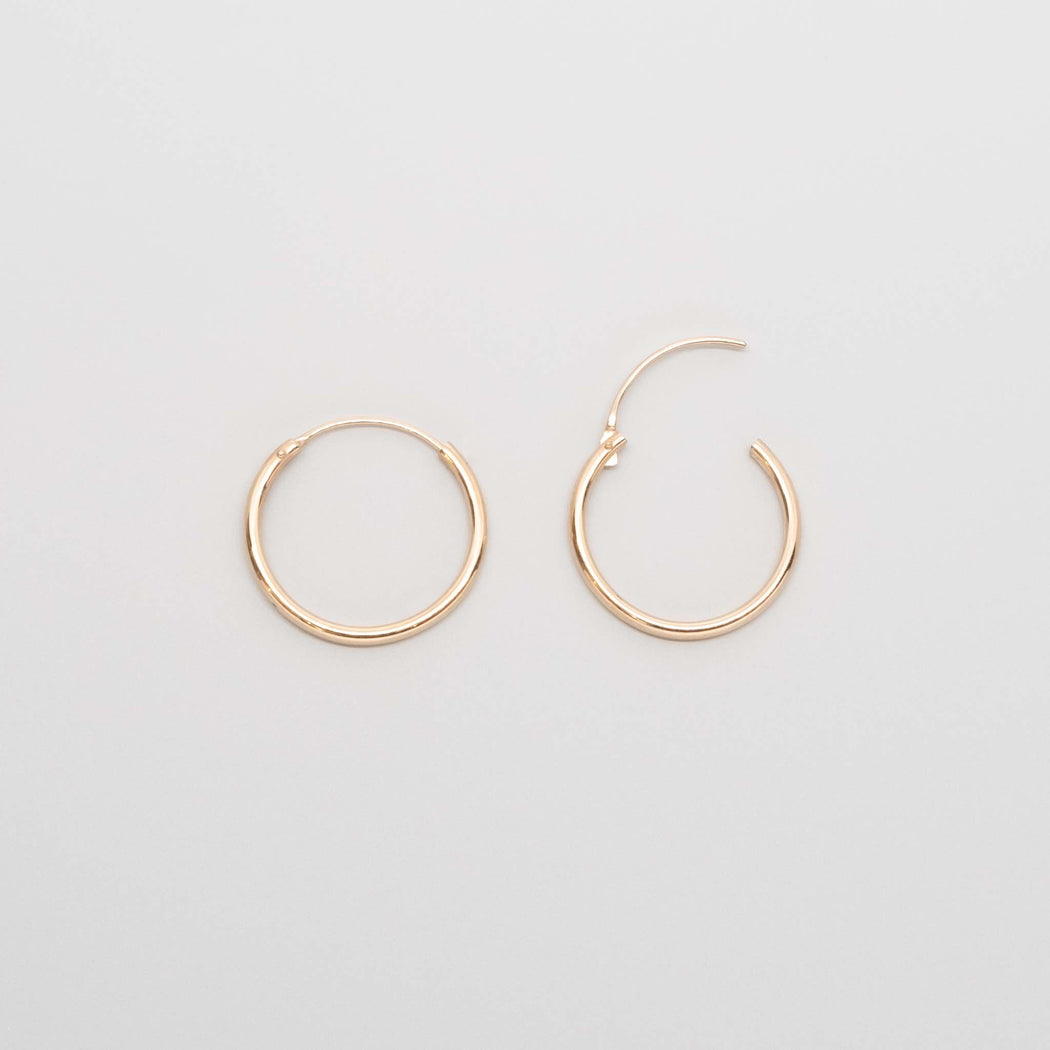 simple hoop | solid gold - XS / S / M