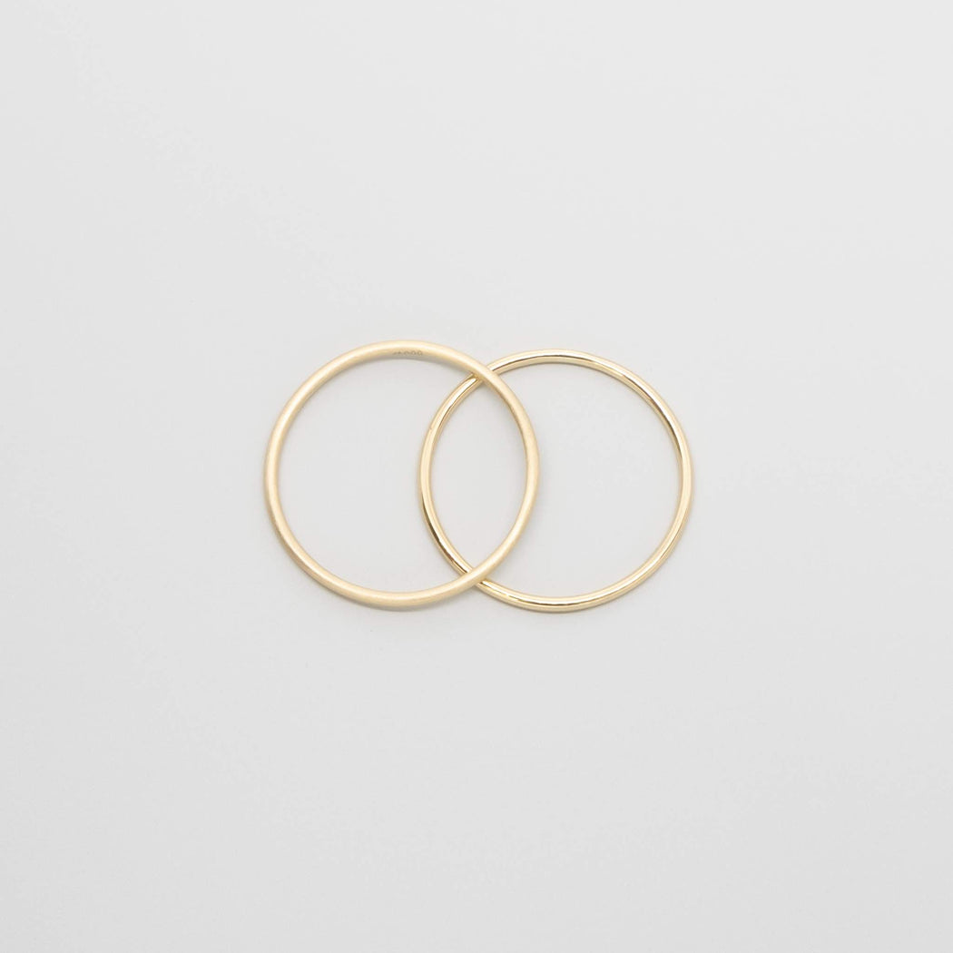 shiny single ring | solid gold