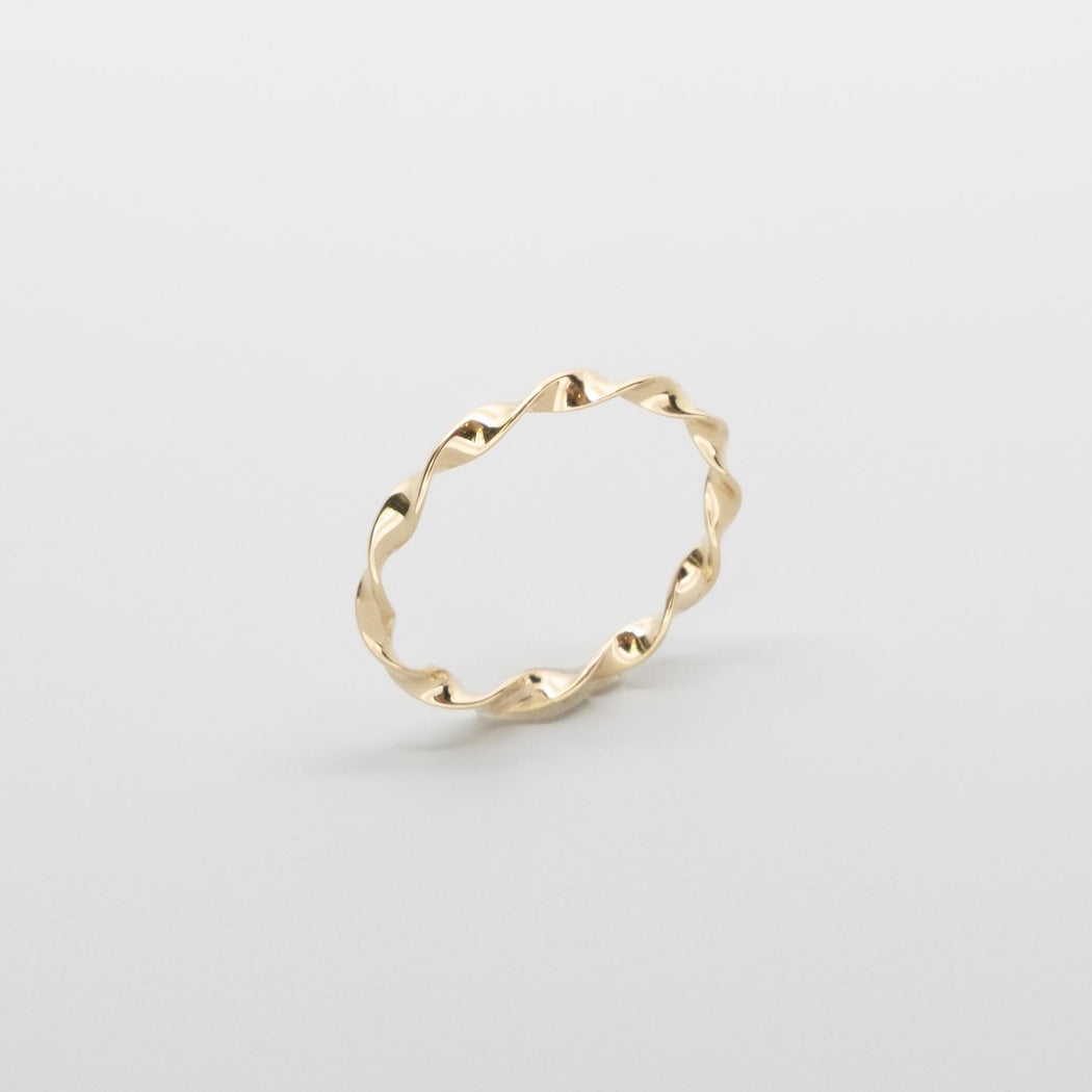 twisted ring | solid gold