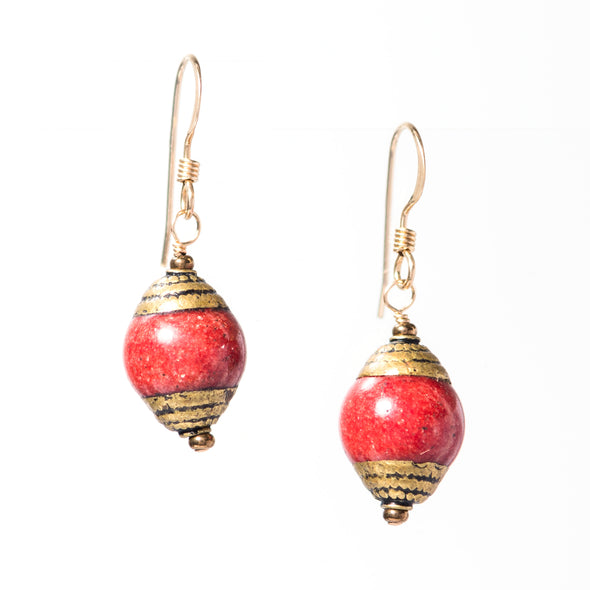 Our Nepal Earrings are simple short dangle earrings that come in a variety of colors to match your personal style. Like all SASKIA jewelry, these unique boho earrings are handmade in our Brooklyn studio using materials from around the world.