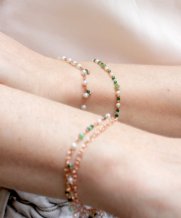 BRACELET WITH FRESHWATER PEARLS AND AGATES